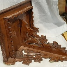 Antigüedades: PEANA DE PARED. REPISA NEOGÓTICA, MADERA TALLADA.. Lote 214119682