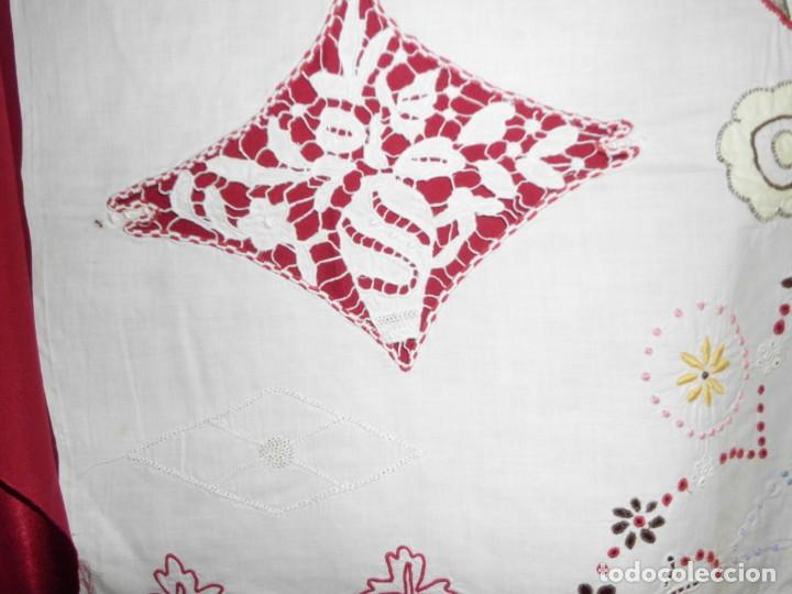 Antigüedades: Antiguo tapete de labores muy trabajado y hecho a mano - Foto 5 - 214136016