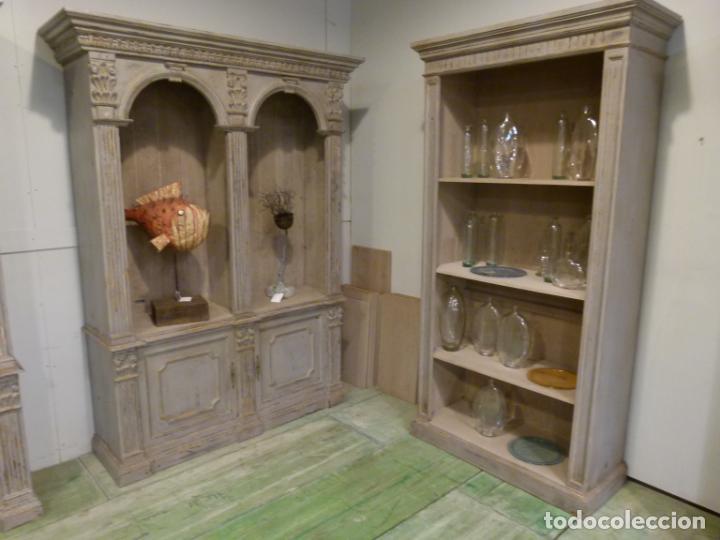 Antigüedades: CONJUNTO DE LIBRERIAS DE MADERA PATINADA - Foto 2 - 214153112
