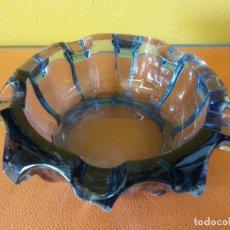 Antigüedades: CENICERO EN CRISTAL. MEDIDAS DIÁMETRO 14.5 CM ALTO 4 CM. VER FOTOS. Lote 214180712