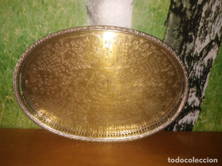 Antigüedades: Antigua bandeja de metal (Mide 48 cm x 34 cm) - Foto 2 - 214190167