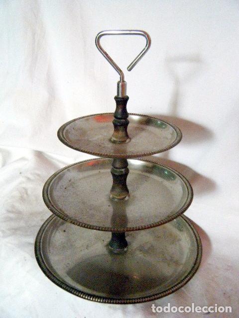 Antigüedades: LOTE CINCO BANDEJAS EN METAL PLATEADO - Foto 7 - 214197928