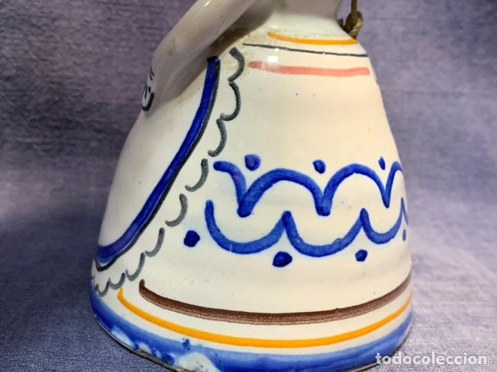 Antigüedades: campana ceramica mujer con sombrero payesa campesina pintado mano 13x9cms - Foto 6 - 214203726