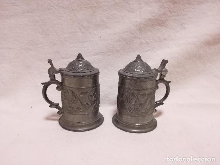 2 ANTIGUO VASO CHUPITO JARRA CERVEZA DE ZINC / ESTAÑO (Antigüedades - Hogar y Decoración - Copas Antiguas)