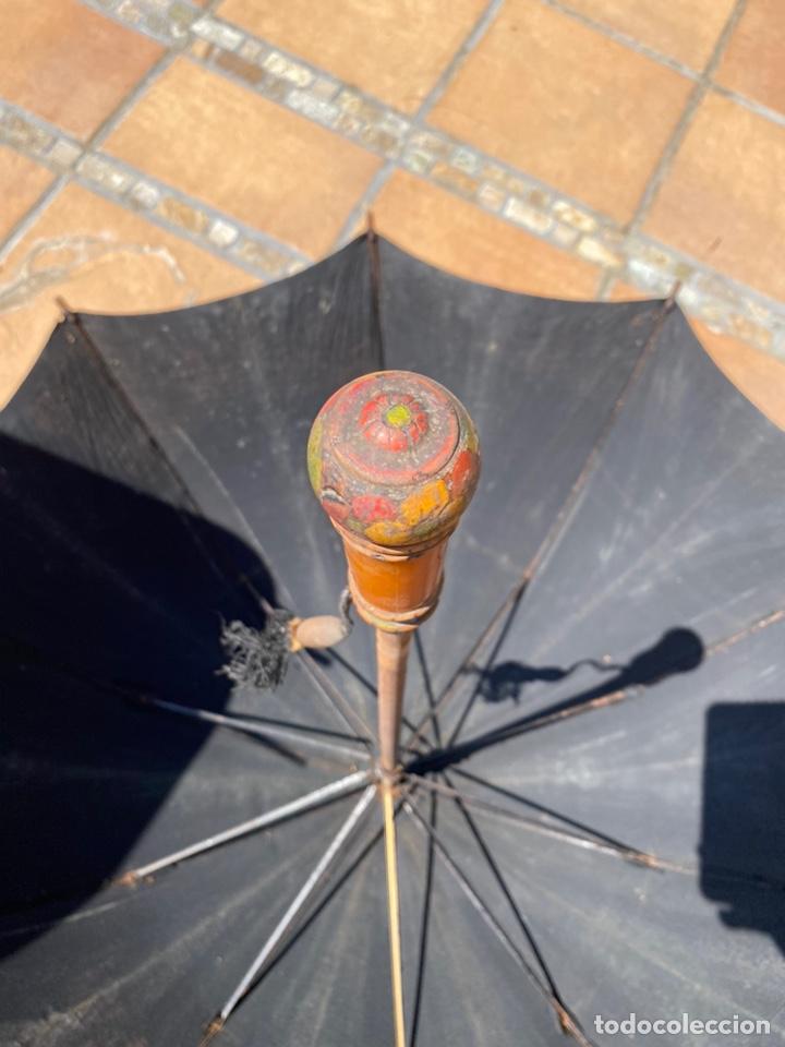 Antigüedades: Paraguas antiguos años 30 y años 40 preciosos complementos - Foto 2 - 214223571
