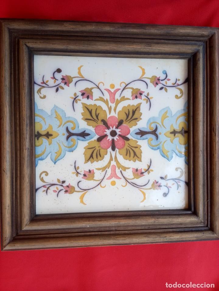 ANTIGUO AZULEJO PERTENECIENTE AL PALACIO DE MEDINA SIDONIA SANLUCAR DE BARRAMEDA (Antigüedades - Porcelanas y Cerámicas - Azulejos)