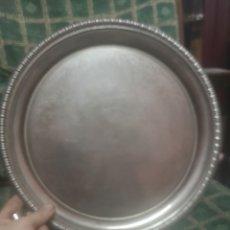 Antigüedades: , PLATO DE METAL CON FILIGRANA DE 31CM. Lote 214276806