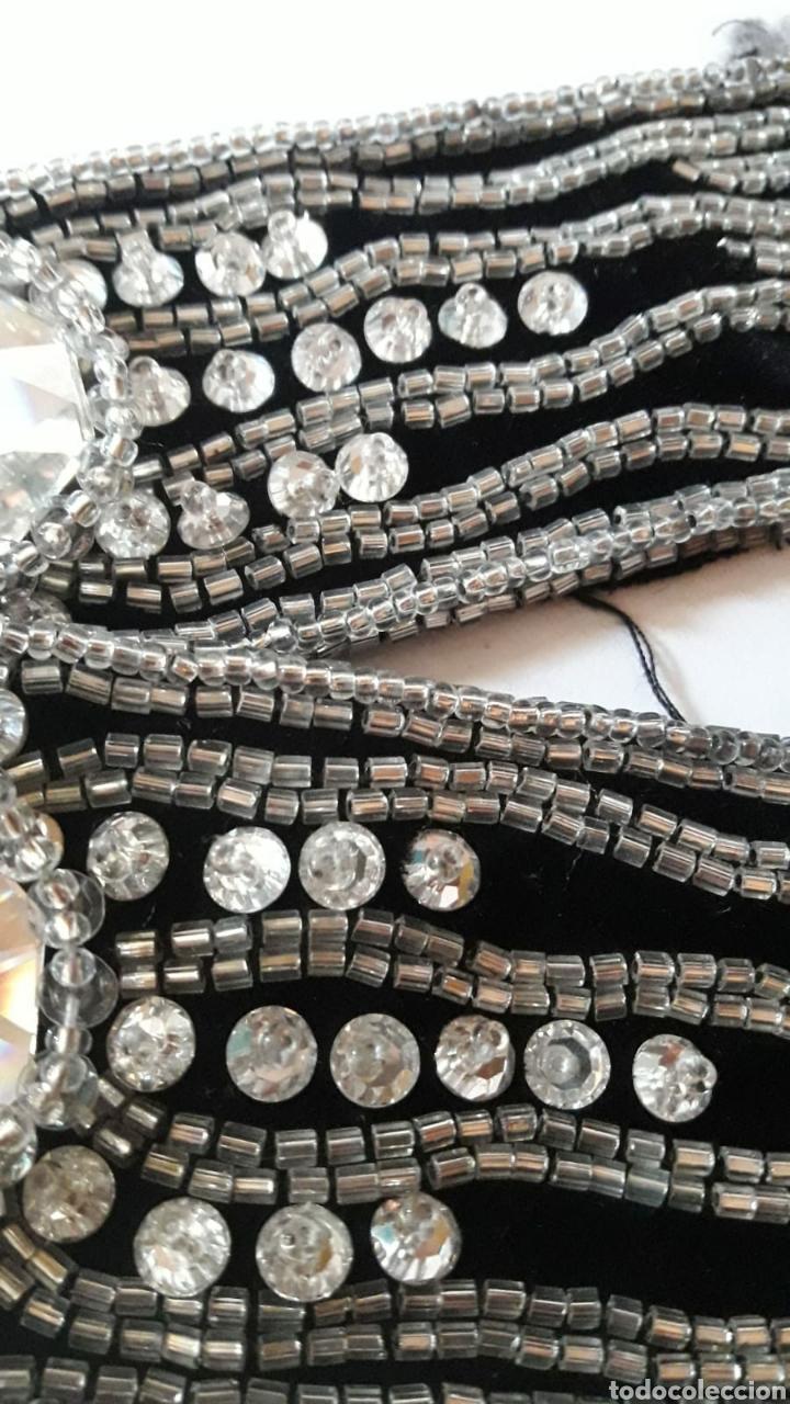 Antigüedades: Pasamaneria bordada con cristales de Swarovski. Años 30 - Foto 3 - 214302353