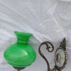 Antigüedades: LAMPARA ANTIGUA PARED TULIPA VERDE. Lote 214362695