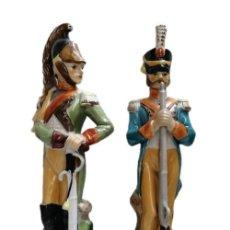 Antigüedades: ANTIGUOS SOLDADOS DE PORCELANA ESMALTADA. Lote 214376287