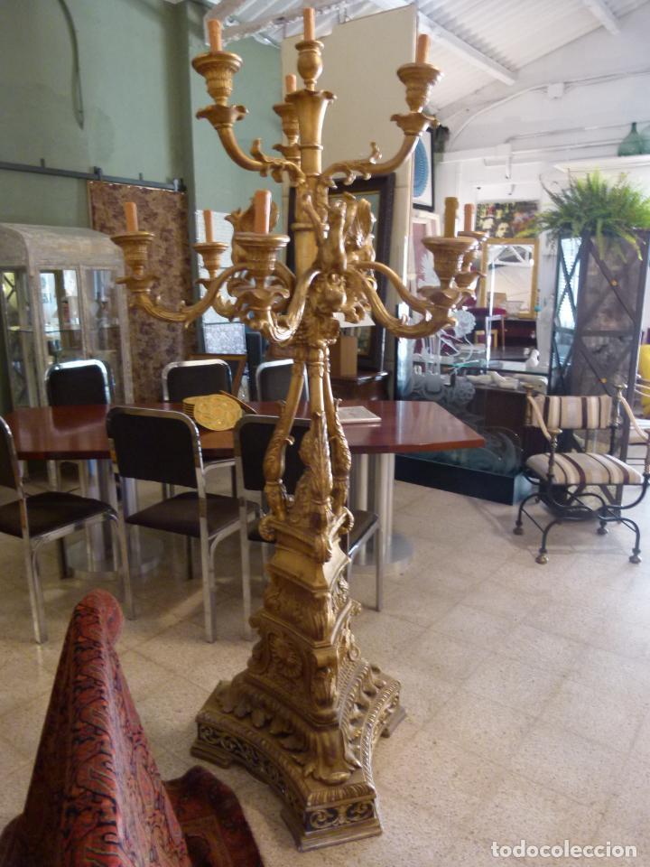 Antigüedades: CANDELABRO DE MADERA TALLADA SIGLO XIX - Foto 2 - 214448106