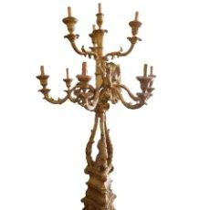 Antigüedades: CANDELABRO DE MADERA TALLADA SIGLO XIX. Lote 214448106