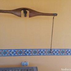 Antigüedades: YUGO DE HOMBROS ANTIGUO. Lote 214471612
