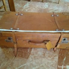 Antigüedades: ANTIGUA MALETA DE CUERO GRANDE. Lote 214495137