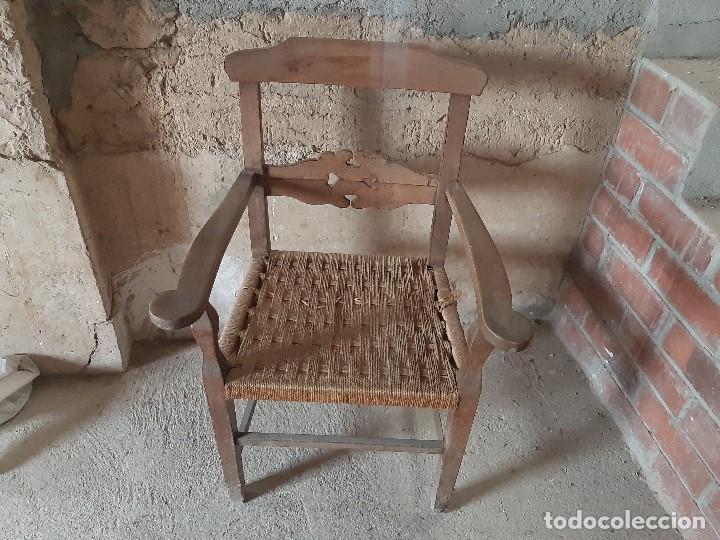 ORIGINAL SILLÓN DE MADERA Y ASIENTO DE CUERDA (Antigüedades - Muebles Antiguos - Sillas Antiguas)