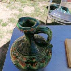 Antigüedades: JARRA DE CERÁMICA VERDE. Lote 214536997