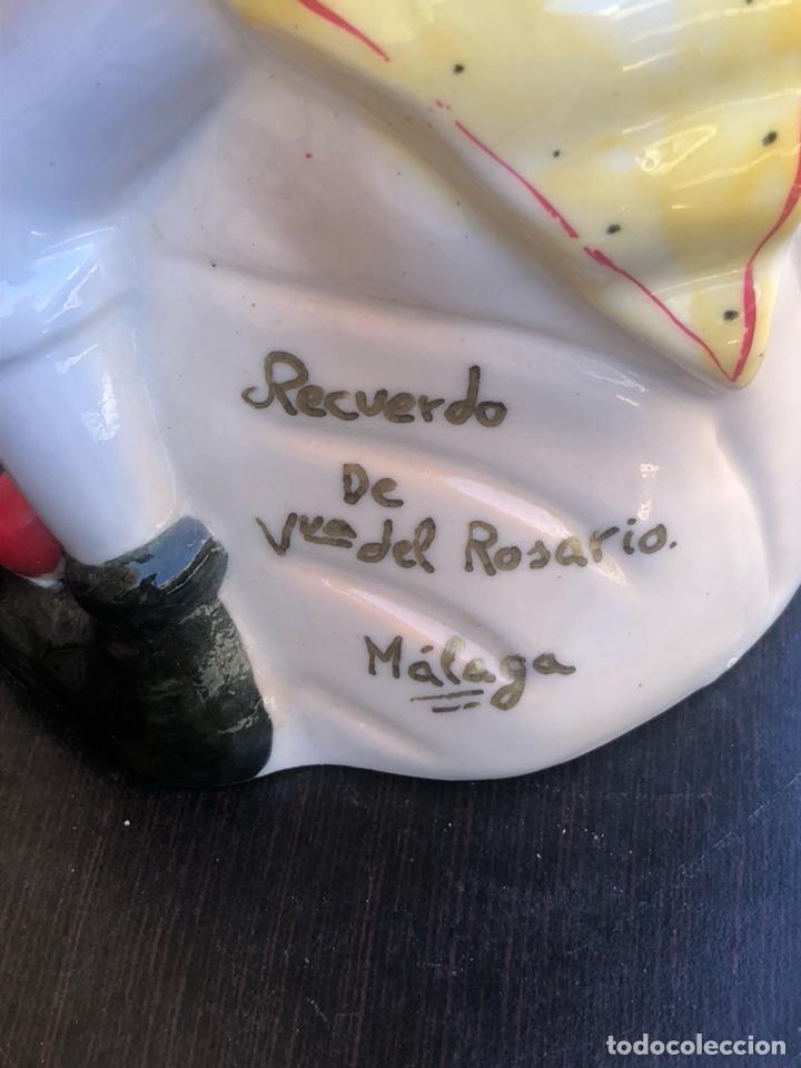 Antigüedades: Bonita figura antigua de porcelana, recuerdo de ntra señora del rosario, malaga - Foto 6 - 214542370