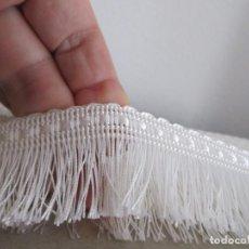 Antigüedades: RESTO DE MERCERIA BOBINA BURLETE CON FLECO. Lote 214561113