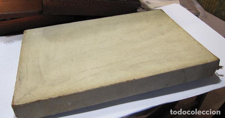 Antigüedades: CAJA DE CARTÓN CON GUANTES MITONES (SIN DEDOS) COLOR DE NIÑA A ESTRENAR. 19 PARES - Foto 5 - 214572175