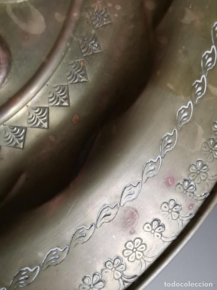 Antigüedades: plato petitorio limosnero de latón san jorge- sant jordi - Foto 27 - 214620486
