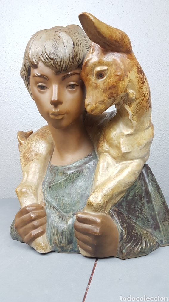 Antigüedades: GRUPO ESCULTÓRICO DE JOVEN PASTOR CON CABRITO EN GRES CON MARCA EN LA BASE LLADRÓ. ALTURA 38 CM. - Foto 7 - 214656032