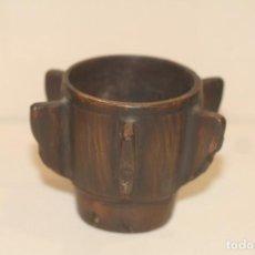 Antigüedades: MORTERO GOTICO CON COSTILLAS DE BRONCE. Lote 214715097