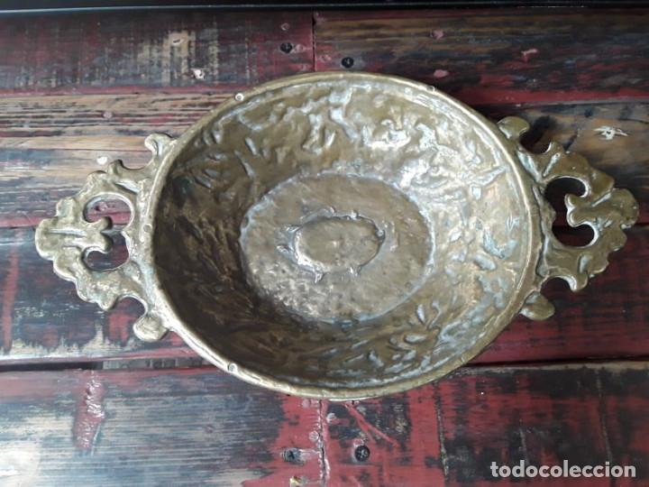 FRUTERO DE BRONCE AÑOS 50 (Antigüedades - Hogar y Decoración - Centros de Mesas Antiguos)