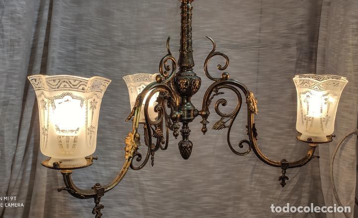 Antigüedades: PRECIOSA LAMPARA DE GAS ELECTRIFICADA Y RESTAURADA, TRES LUCES - Foto 2 - 214745567