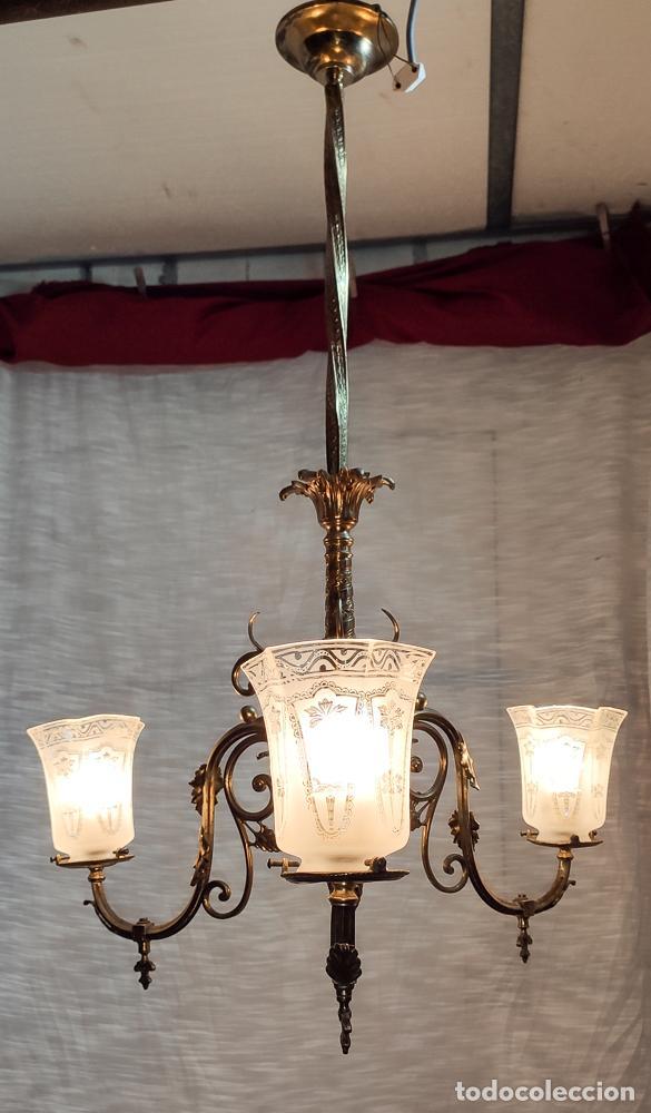 Antigüedades: PRECIOSA LAMPARA DE GAS ELECTRIFICADA Y RESTAURADA, TRES LUCES - Foto 5 - 214745567