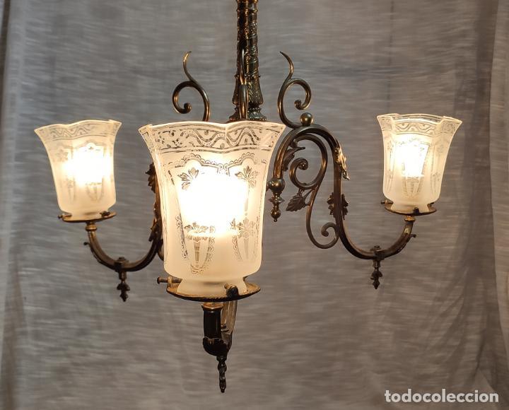 PRECIOSA LAMPARA DE GAS ELECTRIFICADA Y RESTAURADA, TRES LUCES (Antigüedades - Iluminación - Lámparas Antiguas)