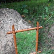 Antigüedades: ESPEJO DE MADERA IMITANDO BAMBÚ - PRINCIPIOS SIGLO XX. Lote 295497383