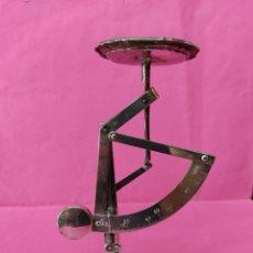 Antigüedades: BALANZA ESTILO MODERNISTA PARA CARTAS EN ALPACA ( MUY RARO VER EN ALPACA). Lote 214805651