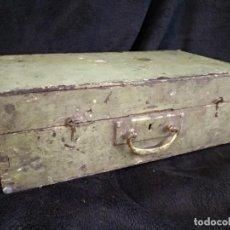 Antigüedades: ANTIGUA CAJA DE HERRAMIENTAS DE MADERA 41 X 23 X 13 CM.. Lote 214877041