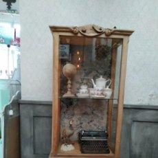 Antigüedades: ALTAR SANTO VITRINA. Lote 214882537