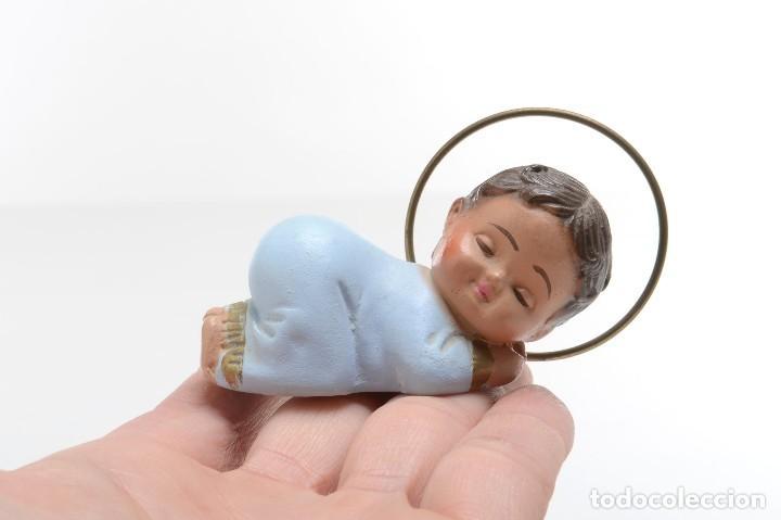 Antigüedades: Figurita del niño Jesús de escayola de mediados de siglo - Foto 9 - 214932392