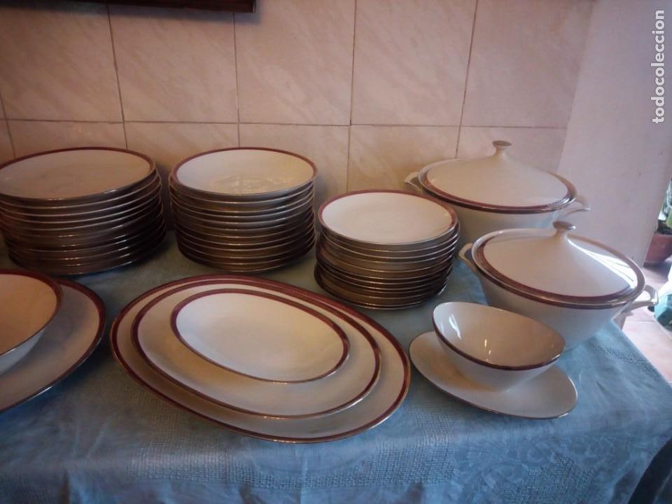 Antigüedades: Preciosa vajilla de 43 piezas,porcelana bareuther waldsassen bavaria,borde granate y dorado. - Foto 2 - 214939406