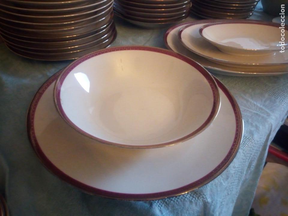 Antigüedades: Preciosa vajilla de 43 piezas,porcelana bareuther waldsassen bavaria,borde granate y dorado. - Foto 4 - 214939406