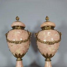 Antigüedades: PAREJA DE COPAS EN MARMOL. Lote 215041888