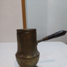 Antigüedades: ESPECTACULAR CHOCOLATERA ANTIGUA DE BRONCE SIGLOXIX. Lote 215042540