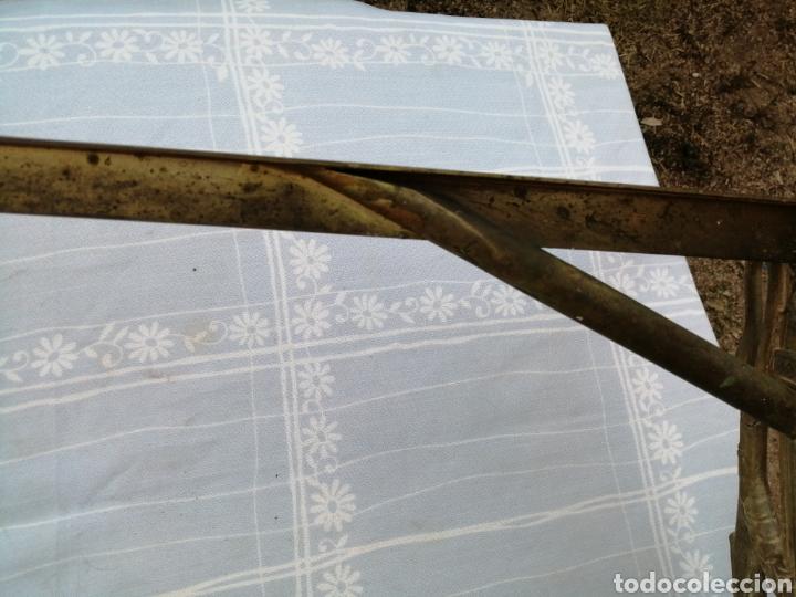 Antigüedades: Base de mesa en bronce- lira - Foto 8 - 215116263
