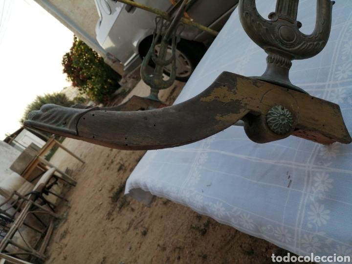 Antigüedades: Base de mesa en bronce- lira - Foto 12 - 215116263