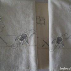 Antigüedades: ANTIGUA SABANA BORDADA Y VAINICA. ALGODÓN. Lote 215140408