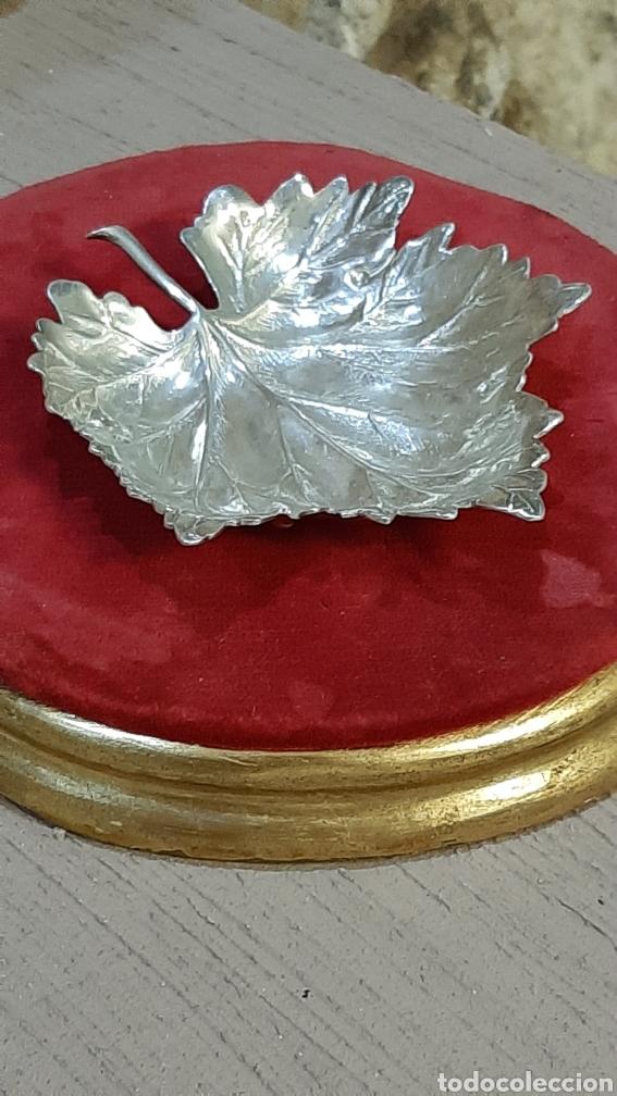 BANDEJA DE PLATA DE LEY 950 HOJA DE ÁRBOL OBSEQUIO BODEGAS LOPEZ 1898 70G (Antigüedades - Platería - Plata de Ley Antigua)