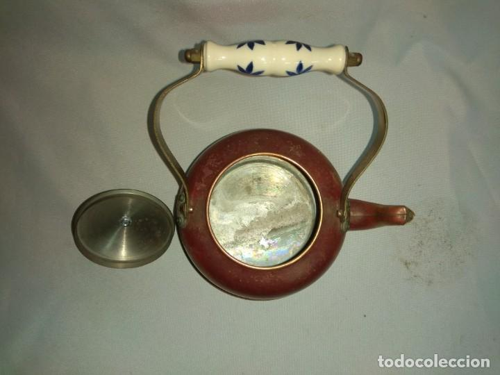 Antigüedades: Tetera/cafetera fabricada en cobre con tirador y asa de cerámica. - Foto 6 - 215264782