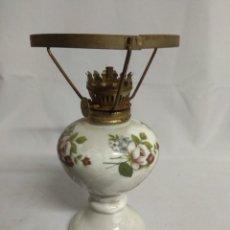 Antigüedades: LAMPARA/QUINQUÉ SIN TULIPA.. Lote 215273025