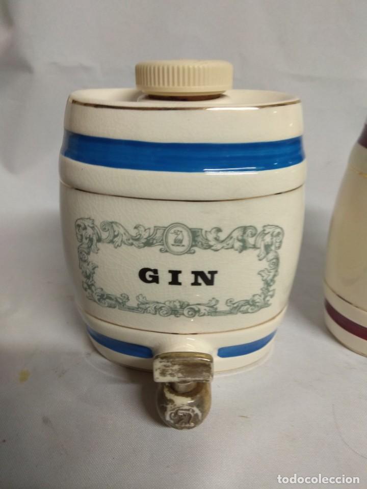 Antigüedades: Pareja de pequeños barriles fabricados en porcelana. Royal Victoria Wade England Pottery. - Foto 2 - 215273911