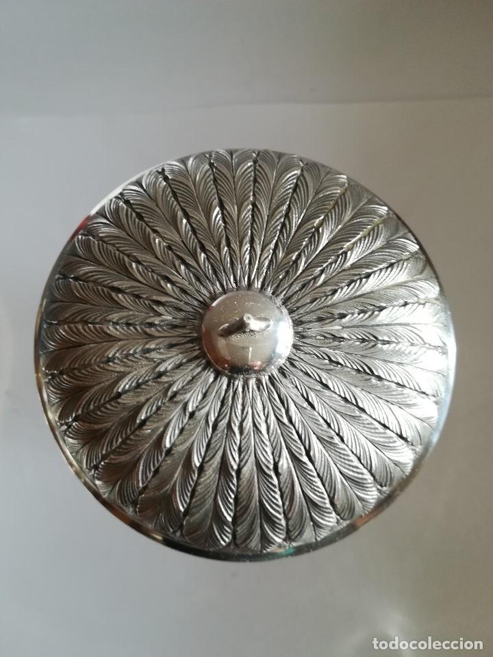 Antigüedades: Copon en plata de ley labrada y cincelada mediados Siglo XX , Alt. 27 cms. Peso 733 grs. - Foto 5 - 215291587