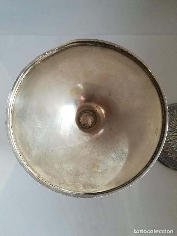 Antigüedades: Copon en plata de ley labrada y cincelada mediados Siglo XX , Alt. 27 cms. Peso 733 grs. - Foto 7 - 215291587