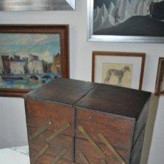 Antigüedades: COSTURERO DE MADERA - TIPO ACORDEÓN - CON CAJÓN. Lote 215321540