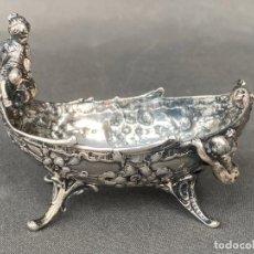 Antigüedades: STERLING 930 REPOUSSE CHERUB SALT , SALERO DE PLATA DE 1910 APROX.. Lote 215333226